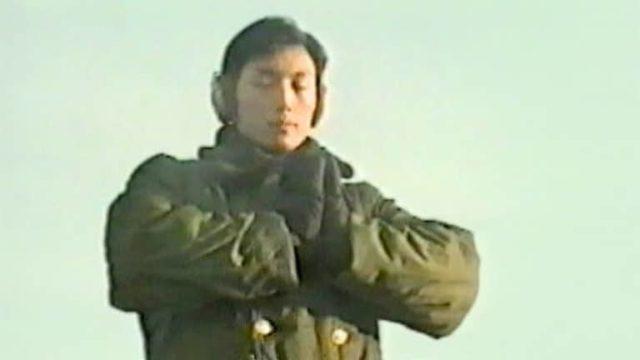Illustration :  Des membres de la police er de l'armée pratiquant les exercices de Falun Gong en 1999.